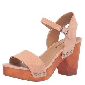 Lucky Brand Trisa Maple Sugar leather wood heel 10